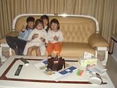 子喻三歲生日:DSC1.JPG