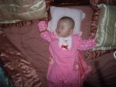 2011年Dora的人生第一個春節:0202Dora 熟睡.JPG