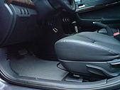 2009.10.01 結婚的第一部車 - Fortis:24-駕駛座.JPG