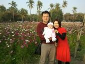 2011年Dora的人生第一個春節:0204Dora 全家福.jpg