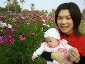 2011年Dora的人生第一個春節:0204Dora 與媽媽特寫.jpg