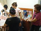 2010年9月26日 歡慶陳宥睿 滿月酒席:鶴齡的親戚 傳授育兒經.JPG