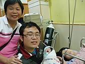 2010年9月20 虎妞妞誕生記:14點 全家福合照.jpg