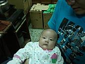 1120到1220 Dora第三個月生活照:1130我&Dora 鶴齡買的新衣服.jpg