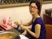 2011年0220到0420(Dora第五到7個月生活點滴:0416Dora 母親節晚餐7.JPG