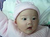 1221到2011年0120(Dora第四個月生活點滴:1225 Dora 張開嘴巴.jpg