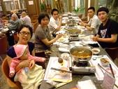 2011年0220到0420(Dora第五到7個月生活點滴:0416Dora 母親節晚餐合照.JPG