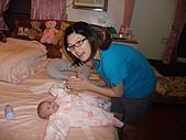 1120到1220 Dora第三個月生活照:1209Dora&鶴齡.JPG