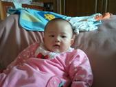 2011年0220到0420(Dora第五到7個月生活點滴:0319Dora 休息.jpg