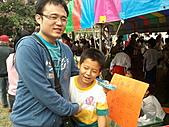 1120到1220 Dora第三個月生活照:1210社皮國小校慶 多多鼓勵姪兒.jpg