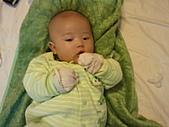 1120到1220 Dora第三個月生活照:1212Dora青蛙裝 叫我賣問.jpg