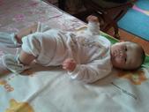2011年0220到0420(Dora第五到7個月生活點滴:0325Dora 兔子裝.jpg