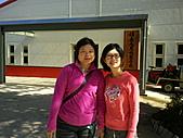 2010年10月25日 大禹嶺+翠峰:梨山福壽山農場 蘋果樹 老媽&鶴齡.jpg