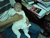 1120到1220 Dora第三個月生活照:1215大家來看Dora 不舒服的姿勢.jpg