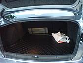 2009.10.01 結婚的第一部車 - Fortis:20-後車廂 防水托盤.JPG