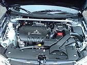 2009.10.01 結婚的第一部車 - Fortis:11-引擎蓋.JPG