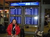 德瑞雙峰雙堡10日遊(2/19-2/20):3法蘭克福機場入境 (2).JPG
