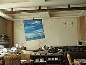澎湖摩托車日記20090704~DAY5 馬公市區 (完):二樓餐廳的早餐營業到9:30,太晚來東西的選擇變少了.