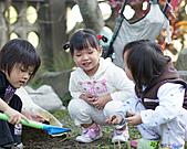 表姊表妹玩泥巴:DSC04101P07.jpg