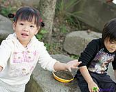 表姊表妹玩泥巴:DSC04163P12.jpg