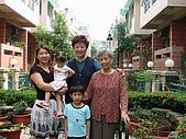 盛老師的恩師見面會:李老師大媳婦秀梅,小朋友是孫子孫女陪伴喔