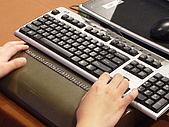 全盲及弱視者如何使用電腦:全盲觸摸顯示器