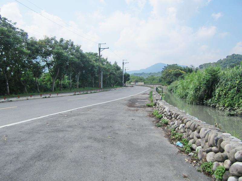 16-河川底.JPG - 三坑紅橋