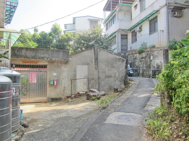 12-眷村小巷.JPG - 油車口