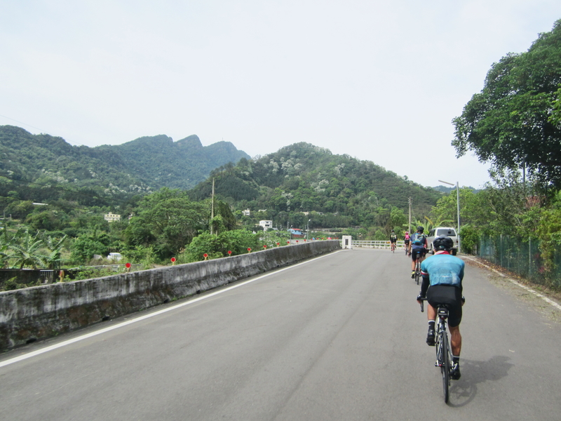 14-遠眺五指山.JPG - 一日單車環島