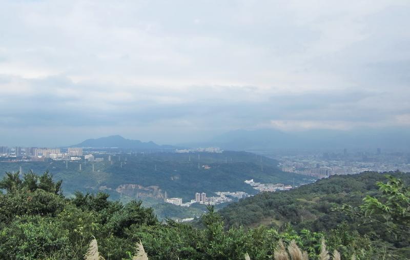 29-遠眺觀音山.JPG - 大凍山單騎