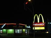 全球麥當勞集錦:溫哥華機場附近的麥當勞2.JPG