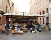 2011年10月義大利16日遊:威尼斯-準備中市場.JPG