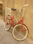 2011年10月義大利16日遊:可愛又方便的腳踏車2.JPG