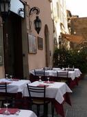 2011年10月義大利16日遊:好想坐下的餐聽 (2).JPG