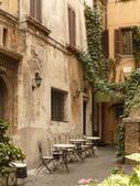 2011年10月義大利16日遊:好想坐下的餐聽 (5).JPG