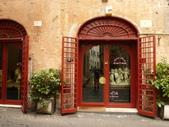 2011年10月義大利16日遊:好想坐下的餐聽 (6).JPG