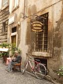 2011年10月義大利16日遊:好想坐下的餐聽 (7).JPG