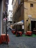 2011年10月義大利16日遊:好想坐下的餐聽 (9).JPG