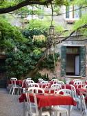 2011年10月義大利16日遊:好想坐下的餐聽 (12).JPG
