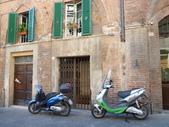 2011年10月義大利16日遊:機車1.JPG