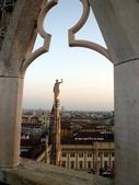 2011年10月義大利16日遊:米蘭大教堂之頂樓 (1).JPG