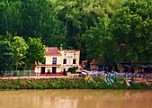 雅維儂風情畫---聖貝內茲橋的足跡-2  (遊法旅記之46):L1060400.jpg