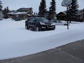 暴風雪:勁風築出一道雪牆