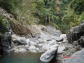 霞喀羅古道:毀壞的小吊橋