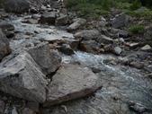 絕境之旅:這 waterfalls creek 提供飲水