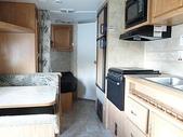漂泊的木屋:右邊是廚房
