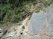 霞喀羅古道:山崩處可以下到谷底