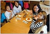 104學年上學期:3~6年級期末聚餐(必勝客)_6030.jpg