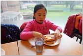 104學年上學期:3~6年級期末聚餐(必勝客)_7632.jpg