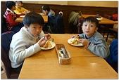 104學年上學期:3~6年級期末聚餐(必勝客)_6813.jpg
